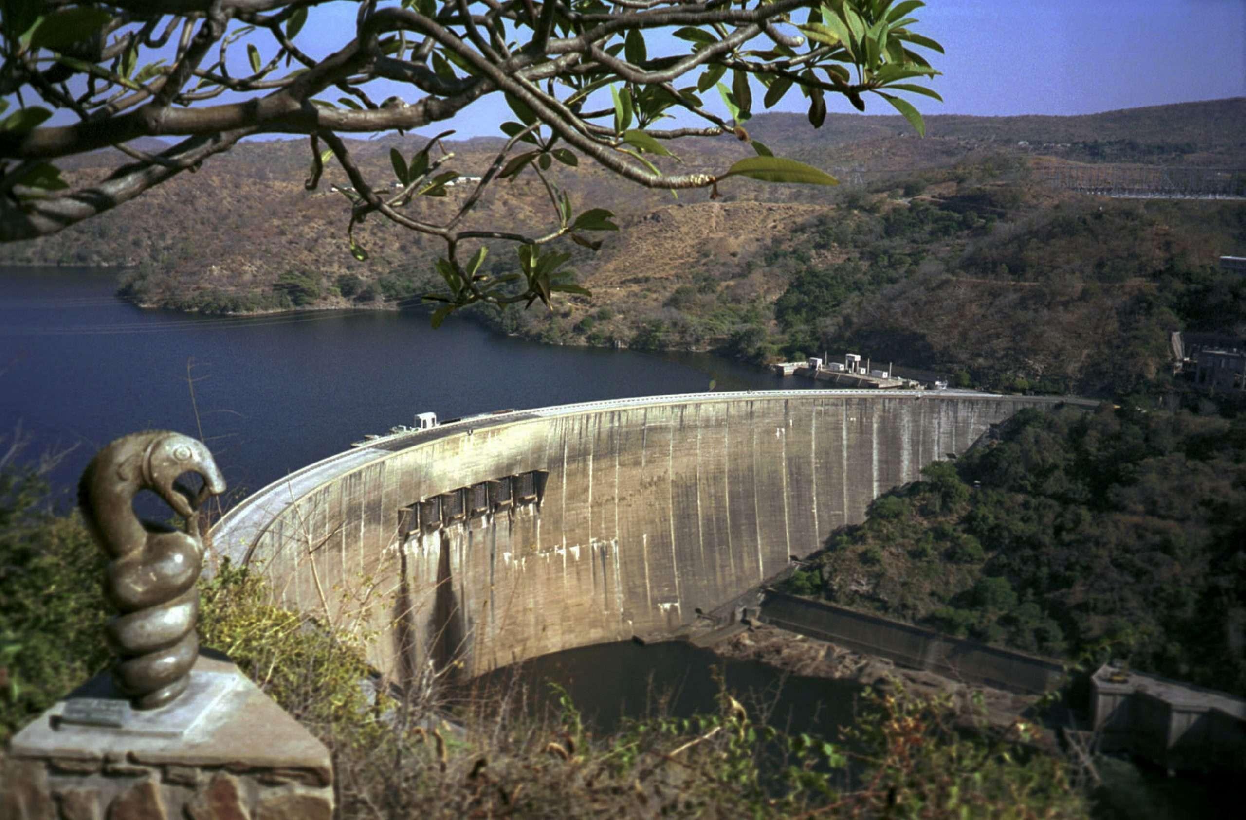 nyami nyami Kariba dam wall zambesi river (2)