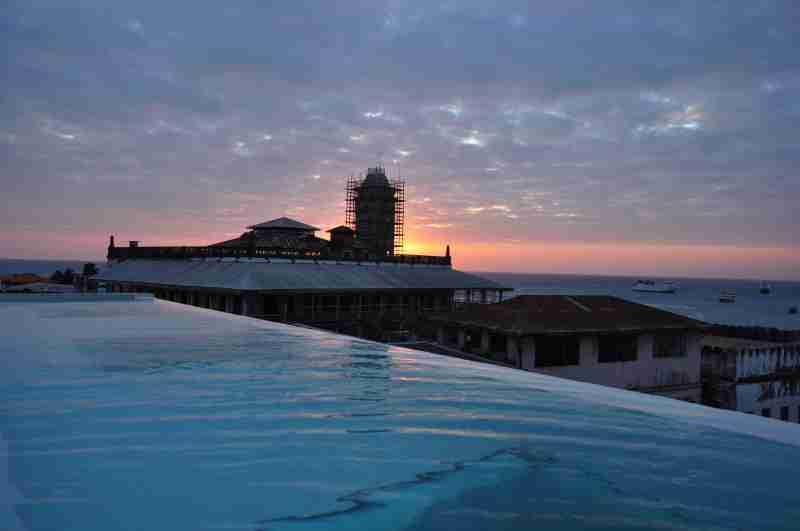 house of wonder - zanzibar - sunset view from upendo (2)